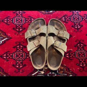 Classic Birkenstock Sandal - lightly used!